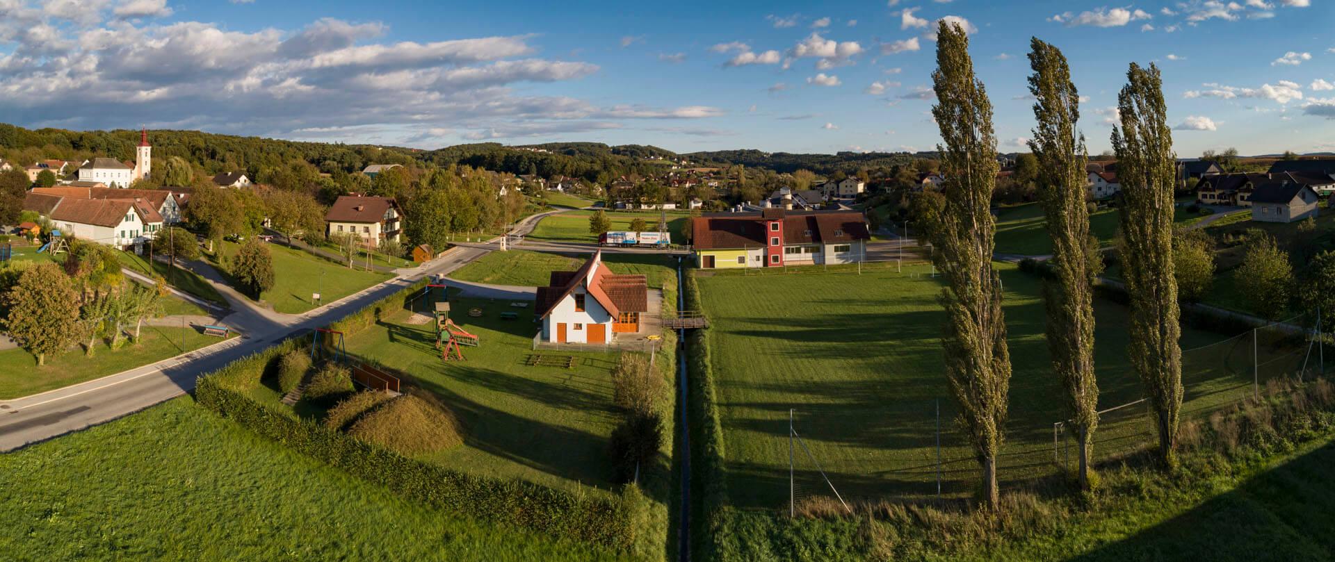 Spielplatz und Fußballplatz Schölbing